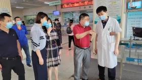青岛市计划生育协会专职副会长董新春一行到我院巡查